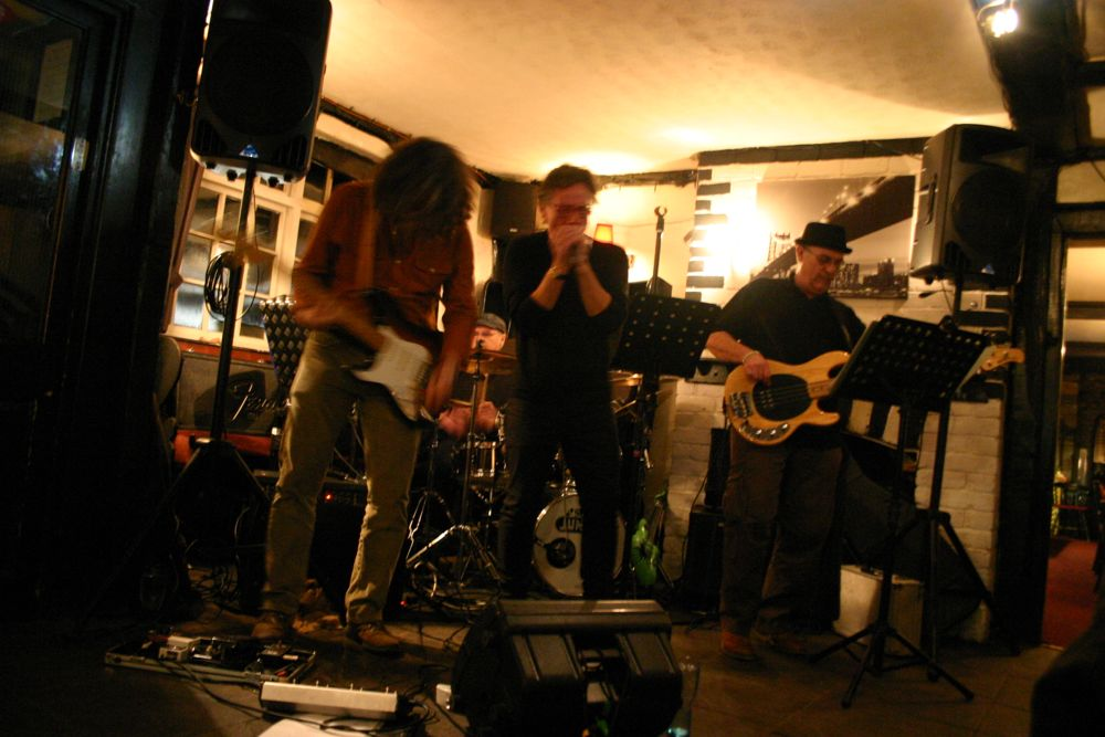 image showing 2014 03 08 Outlawd Gig Rose And Crown Tintern 06