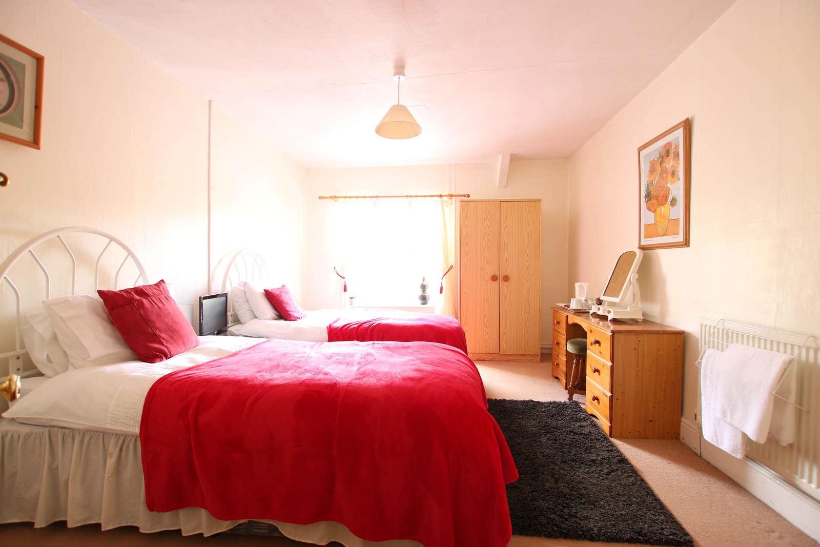 image showing bedroom 2 doorway view 001