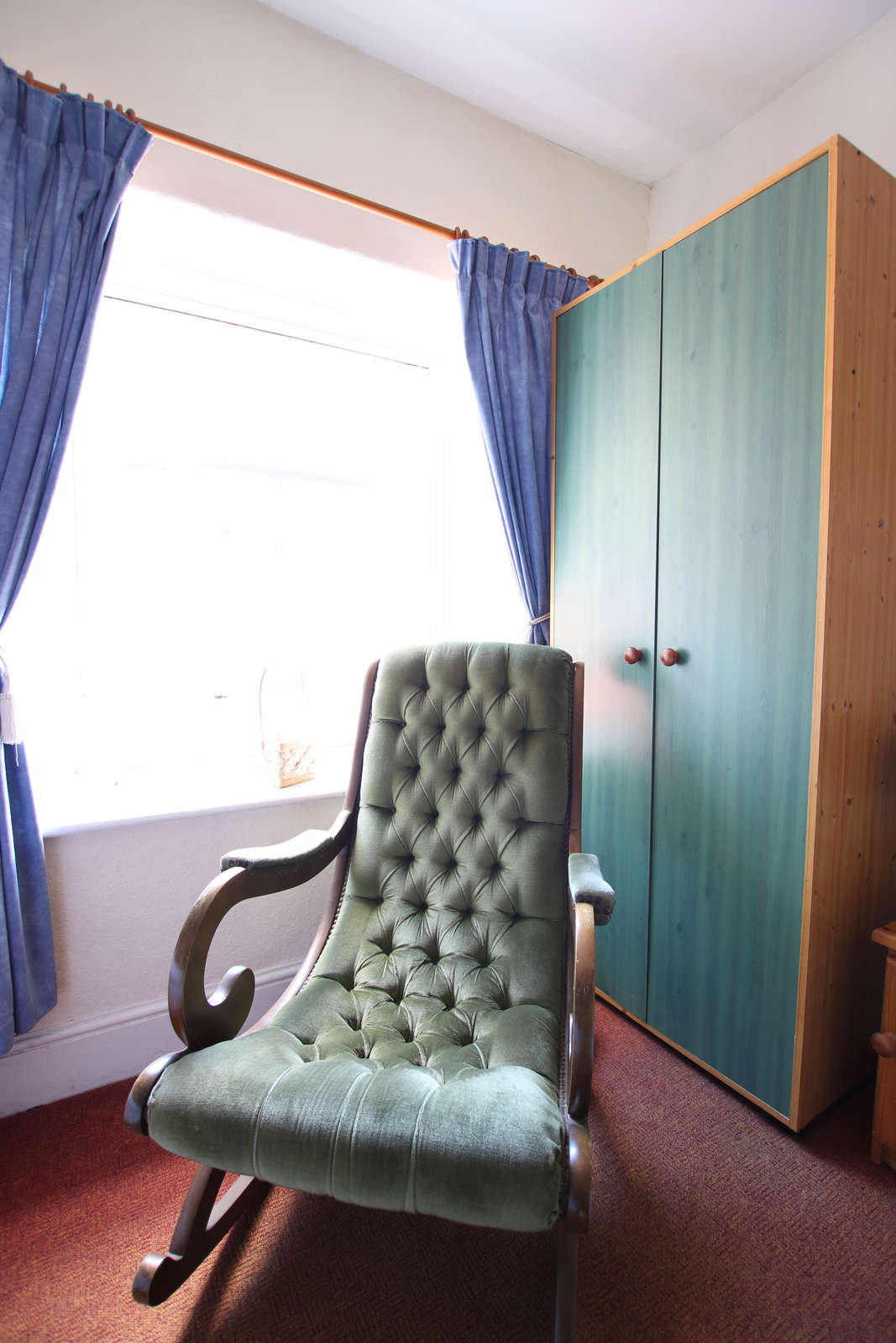 image showing bedroom 4 window wall view 001